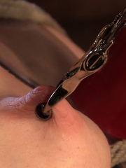 Grown woman trying on sex machine for her - Unique Bondage - Pic 6