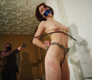 Petite brunette bimbo can't stand pain from - Unique Bondage - Pic 2