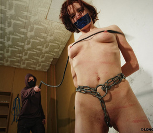 Petite brunette bimbo can't stand pain from - Unique Bondage - Pic 4