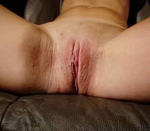 Perfect tits brunette cutie received her - Unique Bondage - Pic 2