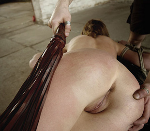 Shaved pussy helpless beauty suffering rough - Unique Bondage - Pic 2