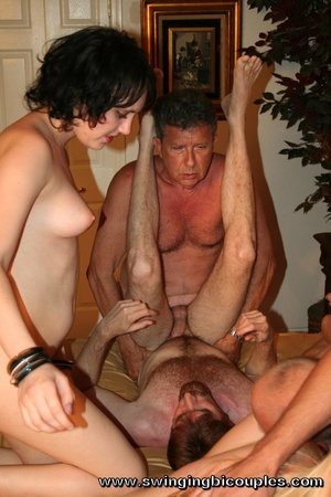 Watch here a real swingers' party with multiple bisexual participants - XXXonXXX - Pic 4