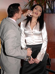 Made her drink men pissing and pee herself - Unique Bondage - Pic 2