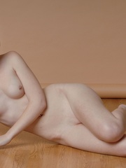 Petite blonde erotic chick reveal - Sexy Women in Lingerie - Picture 10