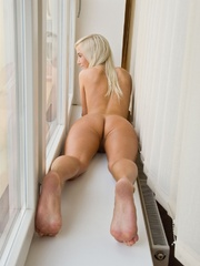 Busty blonde erotic nymph performin - Sexy Women in Lingerie - Picture 7