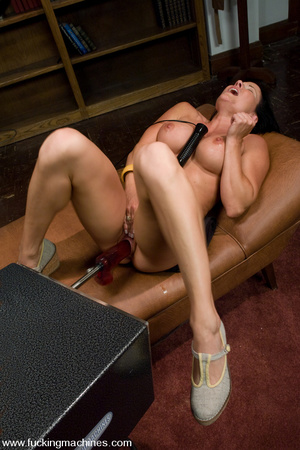 Sexmachines. MILF gets machine nailed in - XXX Dessert - Picture 3
