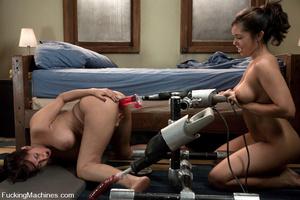 Sex machine orgasms. Isis Love n porn vi - XXX Dessert - Picture 12