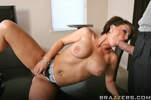 Synz pornstar Kayla sins housewife