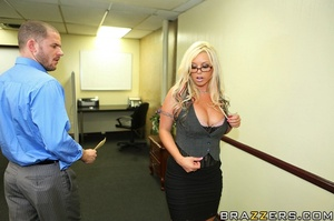 Big tit. Busty Worker getting slammed ha - XXX Dessert - Picture 5