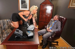 Big tit. Busty Worker getting slammed ha - XXX Dessert - Picture 6