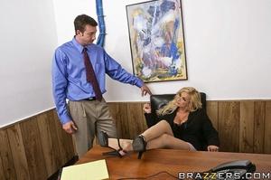 Office girl. Shyla Stylez needs wants to - XXX Dessert - Picture 5