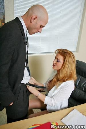 The office xxx. Busty secretary getting  - XXX Dessert - Picture 4