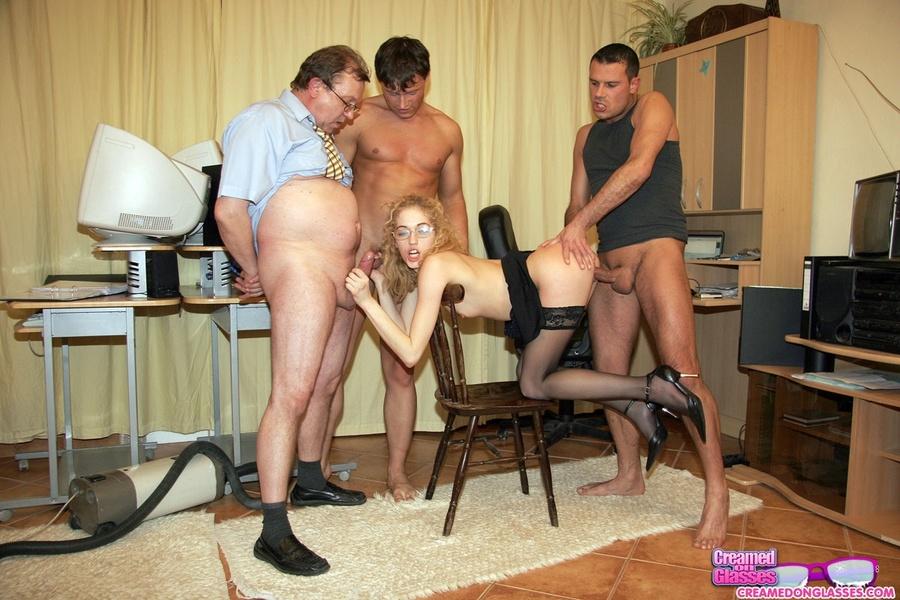 Порно группа русские офис