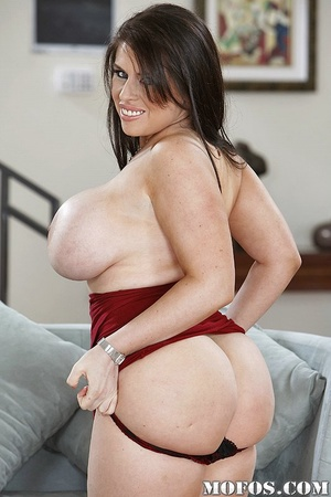 Milf porn. Poor Daphne just got a divorc - XXX Dessert - Picture 3