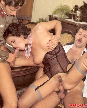Classic xxx. Retro babe fucks and sucks  - XXX Dessert - Picture 28