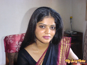 Porn of india. Neha wants her hubby to w - XXX Dessert - Picture 3