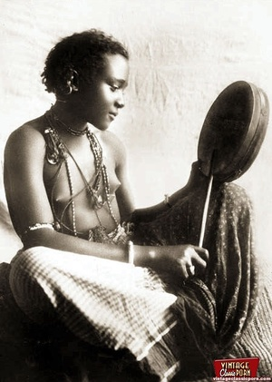 Vintage xxx. Several nude African ladies - Picture 10
