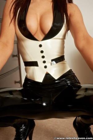 Rubber girls. Latex Heaven. - XXX Dessert - Picture 12