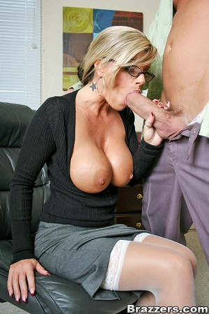 Nice boobs. Big titted mature office chi - XXX Dessert - Picture 7