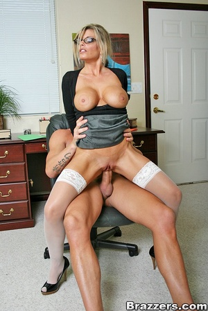 Nice boobs. Big titted mature office chi - XXX Dessert - Picture 9