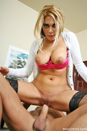 Huge boobs. Carmel Moore the busty profe - XXX Dessert - Picture 11